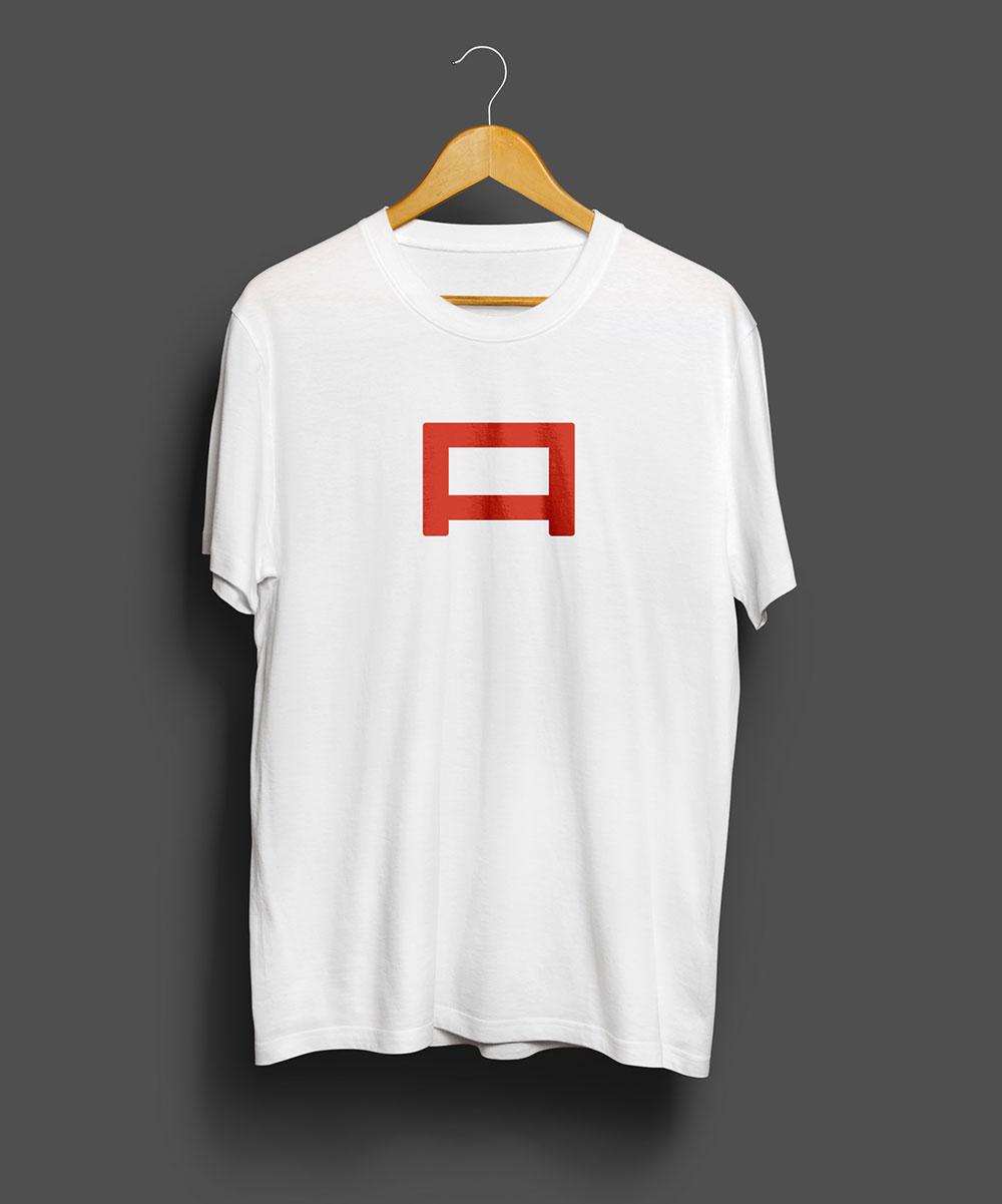 Mock_Up_T-Shirt_01_b